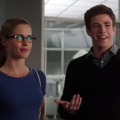 """Em """"The Flash"""", na 4ª temporada: Felicity (Emily Bett Rickards) fará participação especial na série!"""
