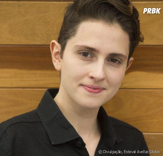 """Em """"A Força do Querer"""", Ivan (Carol Duarte) descobre que está """"grávido"""" de Cláudio (Gabriel Stauffer)"""