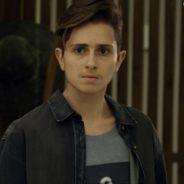 """Novela """"A Força do Querer"""": Ivan (Carol Duarte) aparece de barba pela primeira vez e choca Joyce"""