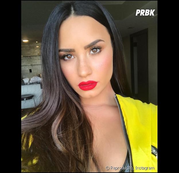 """Demi Lovato faça sobre vício em drogas e álcool: """"Precisa enfrentar um dia de cada vez"""""""
