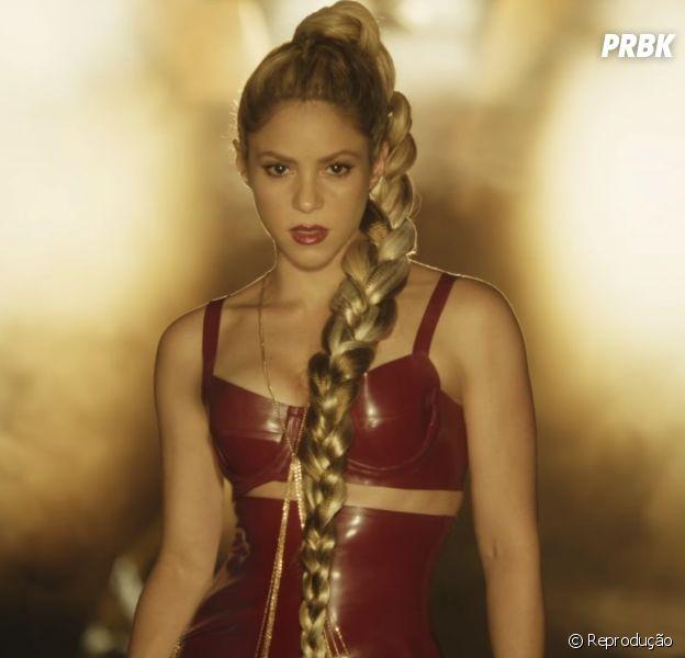 "Shakira lança clipe com Nicky Jam! Veja ""Perro Fiel"""