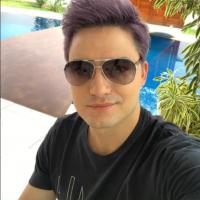 Felipe Neto lança aplicativo com próprio nome e comemora sucesso!