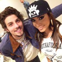 """Anitta elogia Chay Suede no bastidor do """"Altas Horas"""": """"Talento na TV e música"""""""