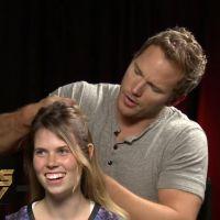 """Chris Pratt faz trança em garota durante entrevista de """"Guardiões da Galáxia"""""""