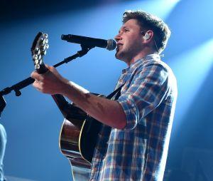 "Niall Horan estreia em 1º lugar na Billboard 200 com o álbum ""Flicker"""