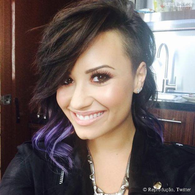 Demi Lovato revela novo visual no Twitter!