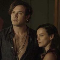"""Novela """"O Outro Lado do Paraíso"""": Clara denuncia Gael após ser espancada mais uma vez!"""