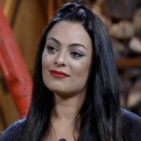 """Em """"A Fazenda"""", Monique Amin é eliminada e Monick Camargo continua no jogo!"""