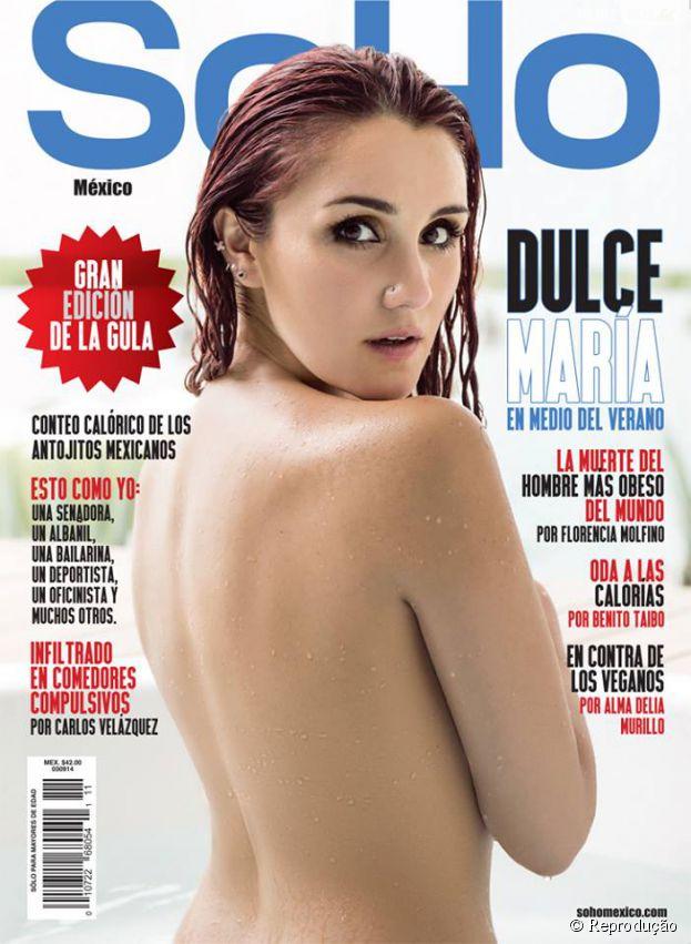 Dulce Maria posa nua para capa de revista masculina