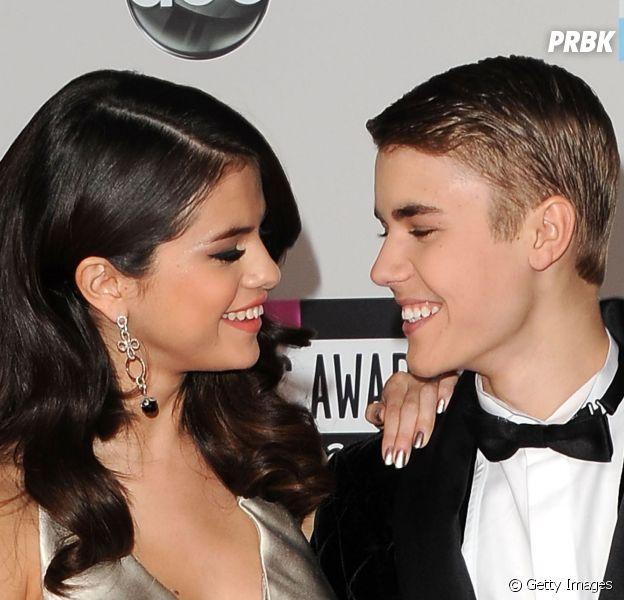 Justin Bieber é questionado sobre casamento com Selena Gomez e ri!