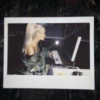 Ariana Grande com música nova? Cantora confirma que está trabalhando em estúdio!