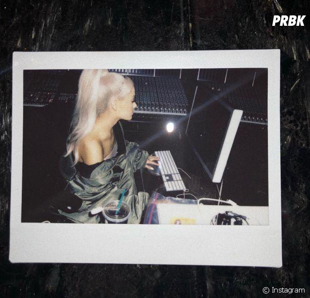 Ariana Grande revela que está trabalhando em estúdio!