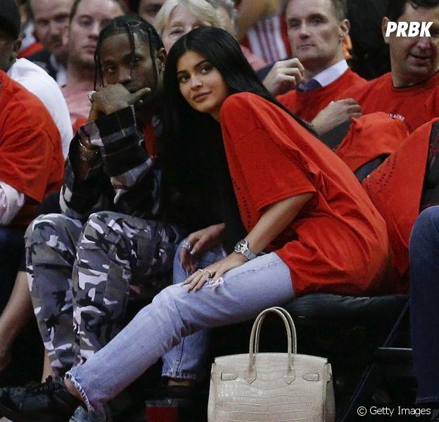 Kylie Jenner e Travis Scott terminaram namoro por causa da gravidez, diz apresentadora