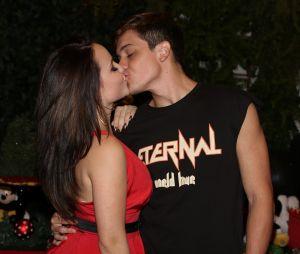 Larissa Manoela e Leo Cidade contam que se conheceram através de amigo em comum