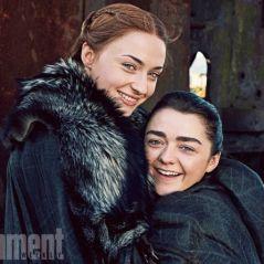 """De """"Game of Thrones"""": Sophie Turner escolheu Maisie Williams para ser sua madrinha de casamento!"""