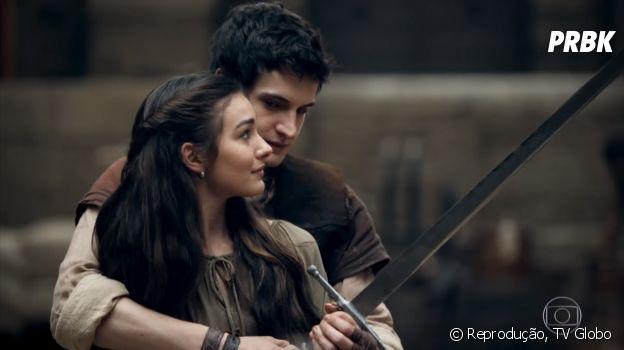 """Em """"Deus Salve o Rei"""", Selena (Marina Moschen) e Ulisses (Giovanni De Lorenzi) vão namorar e ter noite de amor!"""
