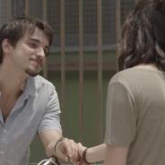 """Novela """"Malhação"""": Lica (Manoela Aliperti) e Felipe ficam em clima de romance após conversa"""