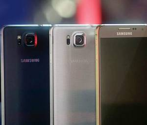 Novo Galaxy possui tela de 4,7 polegadas competindo com iPhone 6