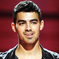 O que tem feito Joe Jonas depois de tanta polêmica? Veja os últimos passos do cantor dos Jonas Brothers