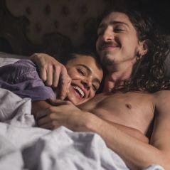 """Novela """"Deus Salve o Rei"""": Catarina (Bruna Marquezine) seduz Rodolfo e os dois transam! Veja fotos"""
