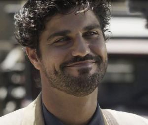 """Em """"Tempo de Amar"""": Inácio (Bruno Cabrerizo) ficará famoso e deixará o Brasil"""