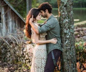 """Final """"Tempo de Amar"""": Inácio (Bruno Cabrerizo) e Maria Vitória (Vitoria Strada) não terminarão juntos"""