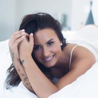 """Demi Lovato exibe corpo com celulites no Instagram e garante: """"Ainda me amo"""""""