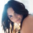 Demi Lovato diz que ainda se ama, mesmo com celulites, estrias e gordula localizada