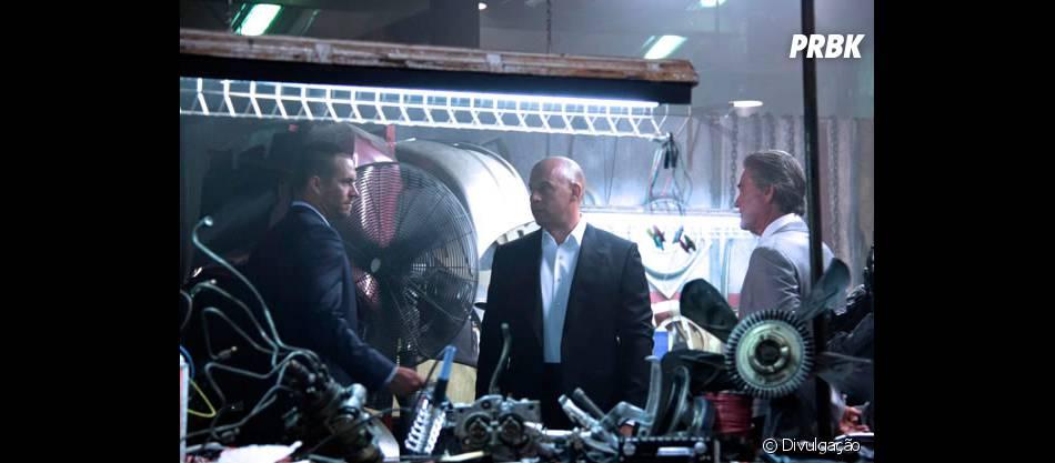 "Paul Walker, Vin Diesel e Kurt Russel em cena de""Velozes e Furiosos 7"""