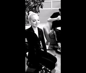 "Sofia Carson filma Dove Cameron imitando o Stitch durante ensaios de ""Descendentes 3"""