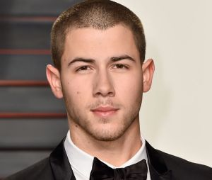 Nick Jonas lança música nova em parceria com DJ Mustard