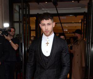 Nick Jonas aproveita a sexta-feira (11) para lançar música nova