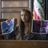 """De """"13 Reasons Why"""": 2ª temporada divide opiniões da imprensa americana. Veja as primeiras críticas!"""