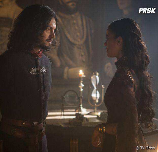 """Em """"Deus Salve o Rei"""", Afonso (Romulo Estrela) decide expulsar Catarina (Bruna Marquezine) do castelo"""