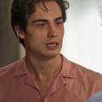 """Em """"Segundo Sol"""", Valentim (Danilo Mesquita) puxa Rosa (Letícia Colin) para dançar e deixa Ícaro (Chay Suede) furioso"""