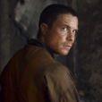 "Joe Dempsie diz que Daenerys (Emilia Clarke) pode casar com Gendry no final de ""Game of Thrones"""