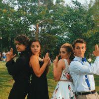 """Gaten Matarazzo, o Dustin de """"Stranger Things"""", posta foto com sua namorada e fãs piram!"""