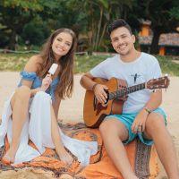 """Giovanna Chaves vive romance com o cantor Pedro Thomé no clipe de """"Estrela Cadente"""". Assista!"""
