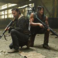 """Na 5ª temporada de """"The Walking Dead"""": Daryl, Rick e mais contra a ameaça zumbi!"""