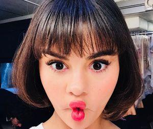 Selena Gomez participa de vídeo bem esquisito para divulgar IGTV