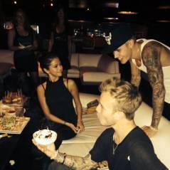 Justin Bieber e Selena Gomez curtem juntinhos festa em Las Vegas, nos EUA