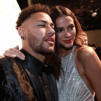 """Bruna Marquezine e Neymar Jr. separados? Jogador dá unfollow no Instagram e explica: """"Tá tudo certo"""""""
