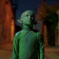 """Habitante de outro planeta vem nos visitar em """"Remedy"""", novo clipe de Alesso!"""