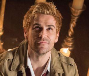 """Em """"Legends of Tomorrow"""", Constantine já volta pra série causando com cena de nudez"""