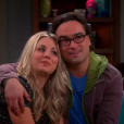 "Em ""The Big Bang Theory"", Penny (Kaley Cuoco) e Leonard (Johnny Galecki) participam de questionário sobre vida de casal"