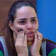 """Perlla é a quarta eliminada da """"Fazenda"""", a galera não perdoa e faz os melhores memes!"""