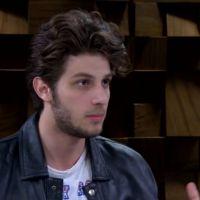 Chay Suede fala sobre namoro com Laura Neiva, em entrevista