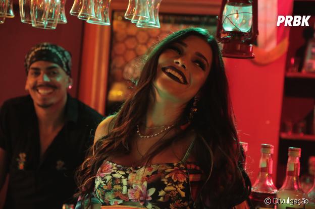 """Lary gravou o clipe de """"Cositas Más"""" com Mano"""