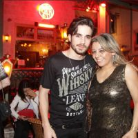 Fiuk e Manu Gavassi tentam se esconder enquanto jantam juntos em São Paulo