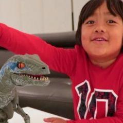O pequeno Ryan se tornou o youtuber mais bem pago de 2018 com apenas 7 anos!